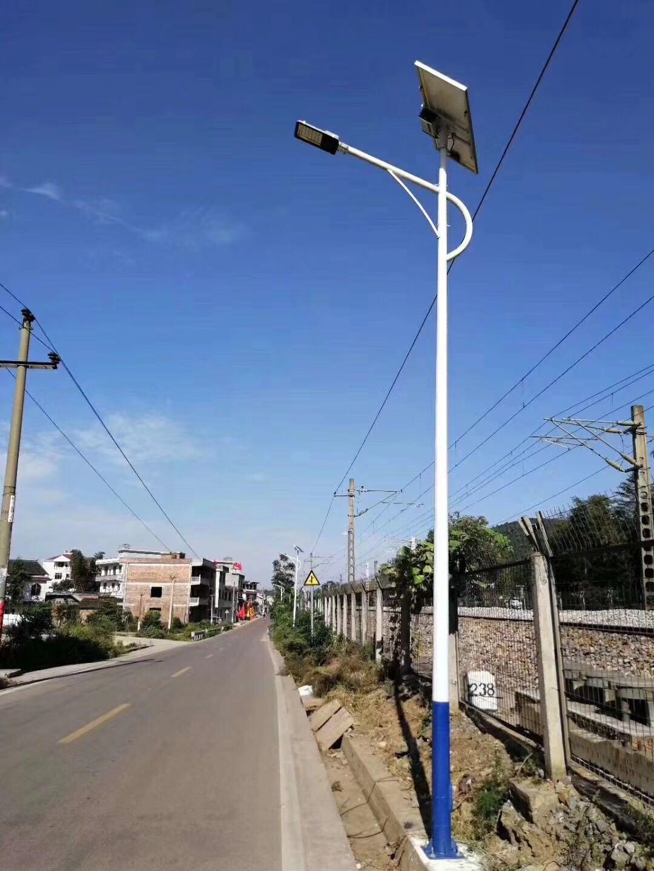 新農村太陽能路燈.jpg
